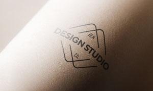紙筒上的圖案標志印刷效果模板素材