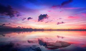 傍晚美丽的海平面高清摄影图片
