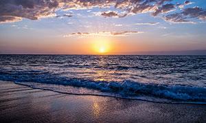 海边美丽的夕阳景观摄影图片