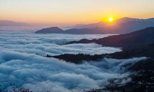 哈尼梯田的日出云海美景摄影图片