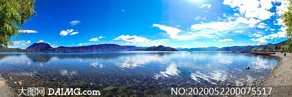 蓝天下的泸沽湖全景高清摄影图片