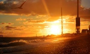 夕阳下的工地美景摄影图片