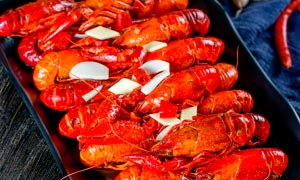 白灼小龙虾美食高清摄影图片