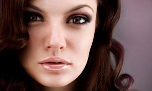 美丽的卷发美女模特摄影图片