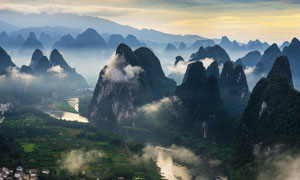 壮观的桂林山水美景摄影图片