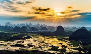 夕阳下的桂林阳朔山水风光摄影图片