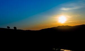 田园风光美丽的日出摄影图片