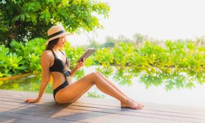 戴帽子的泳装模特人物摄影高清图片