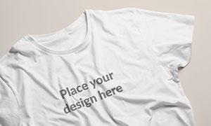 褶皱效果的短袖衫印染图案样机素材