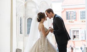 亲密幸福的婚纱照人物摄影高清图片