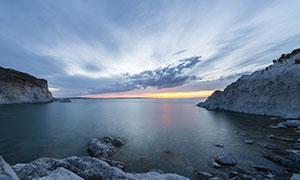 天空乌云海边山石风光摄影高清图片