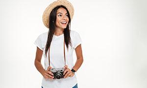 头戴着草帽的开心美女摄影高清图片