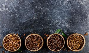 装满咖啡豆的木碗特写摄影高清图片