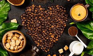 咖啡豆咖啡粉与方糖等摄影高清图片