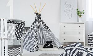 房间里的抽屉柜与帐篷摄影高清图片