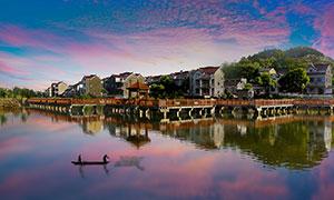 傍晚美丽的新农村风景摄影图片