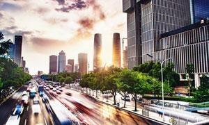 车来车往的繁华大城市摄影高清图片