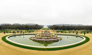 凡尔赛花园里的拉托纳喷泉摄影图片