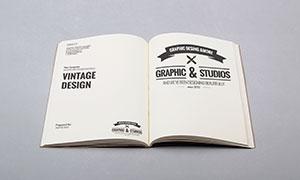 打开的书内页展示效果模板分层素材