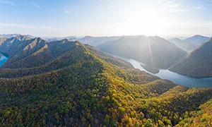 清晨山川河流秋季美景攝影圖片