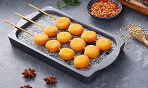 南瓜饼串美食摄影图片