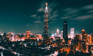 夜色中的摩天大楼高清摄影图片