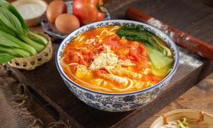 西红柿鸡蛋面美食摄影图片