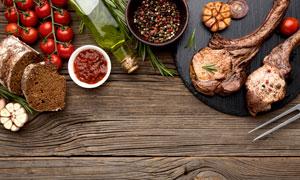面包番茄与炙烤羊排等特写摄影图片