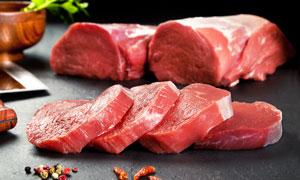 切好的新鮮牛里脊肉攝影圖片