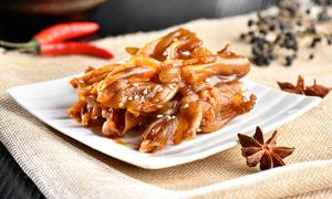 鹵鵝掌美食涼菜攝影圖片