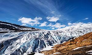 蓝天下的雪山风光高清摄影图片