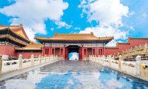 蓝天白云下的北京故宫摄影图片