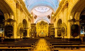 金碧辉煌的教堂宫殿摄影图片