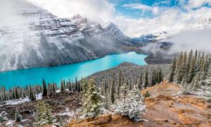 雪后山林和湖泊美景高清攝影圖片