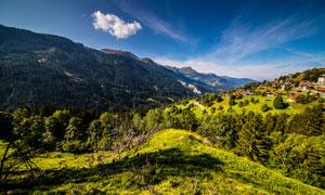 山间村庄和大山美景高清摄影图片