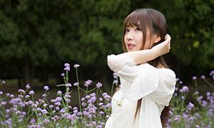 花丛中的白裙女孩外景高清摄影原片