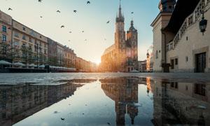 克拉科夫老城地标建筑逆光摄影图片