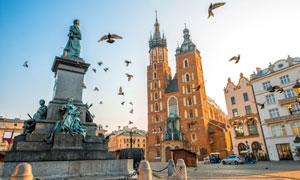 克拉科夫圣玛丽教堂等建筑高清图片
