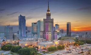 波兰华沙高楼道路黄昏风光摄影图片