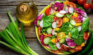 小葱与多彩蔬菜沙拉等摄影高清图片