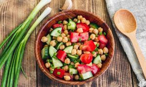 番茄黄瓜蔬菜沙拉近景特写摄影图片