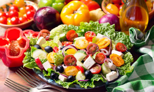 缤纷多彩蔬菜沙拉特写摄影高清图片