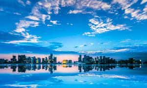 海边美丽的城市景观摄影图片