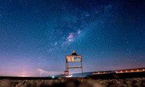 夜晚美丽的星空图全景摄影图片