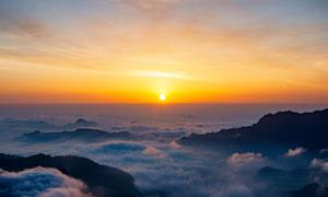 二郎山红岩顶日出美景摄影图片