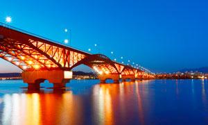 夜晚美丽的桥梁景观摄影图片