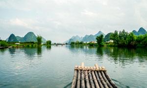 桂林山水风光和竹筏摄影图片