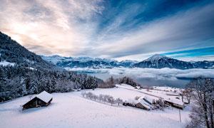 冬季山中雪后美丽风光摄影图片