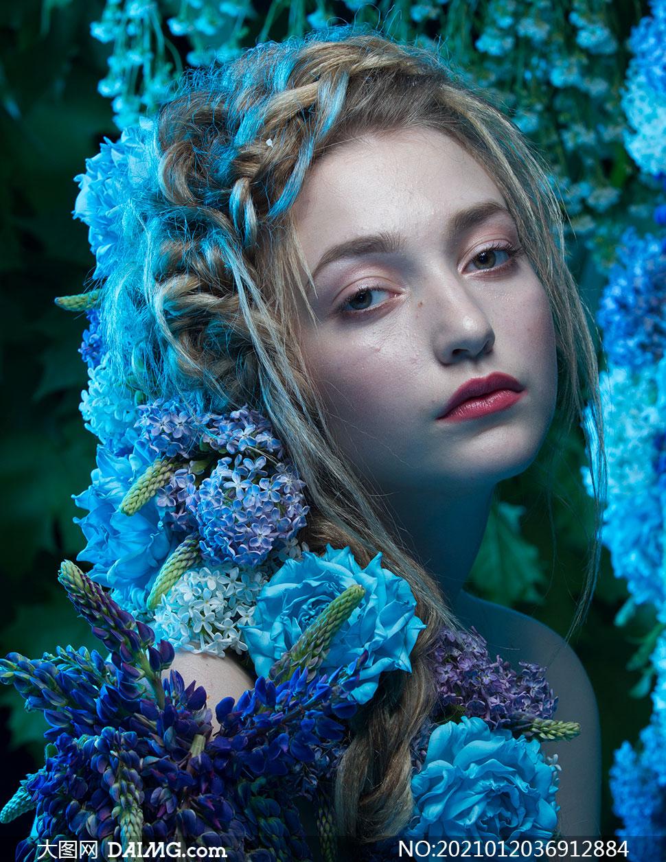 散发着花香的美女人物摄影高清原片