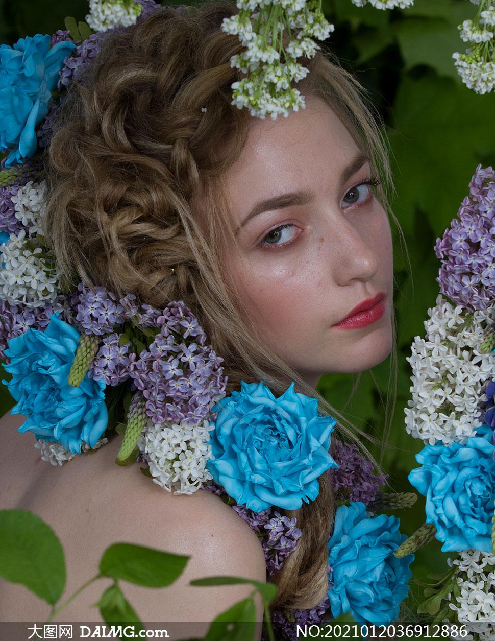 丁香等花朵装饰的美女摄影原片素材
